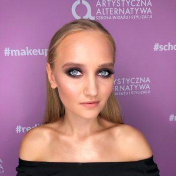 Tygodniowa szkoła makijażu