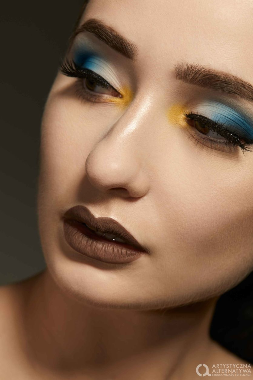 Sesja zdjęciowa makijaż w kolorze