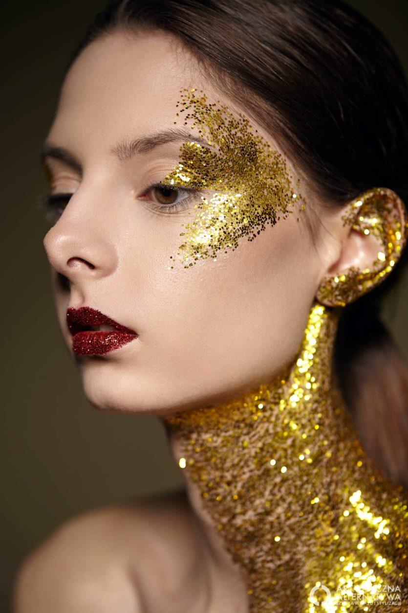 Sesja zdjęciowa makijaż biżuteryjny